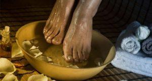 apple-vinegar-foot-bath